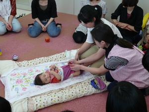 乳幼児保育オムツ交換.jpg